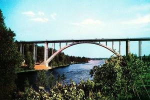 Postikortti Leppävirran uudesta sillasta