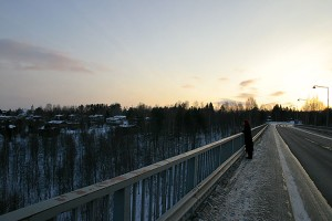 Katselija Leppävirran sillalla