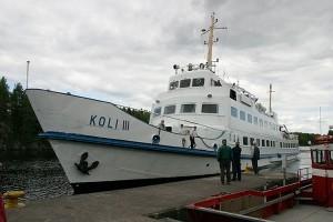 M/S Koli III kiinnittyy Leppävirran laivalaituriin