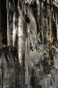 Jääpuikot muodostavat kummia muotoja
