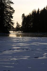 Pikonvirta melkein jäässä