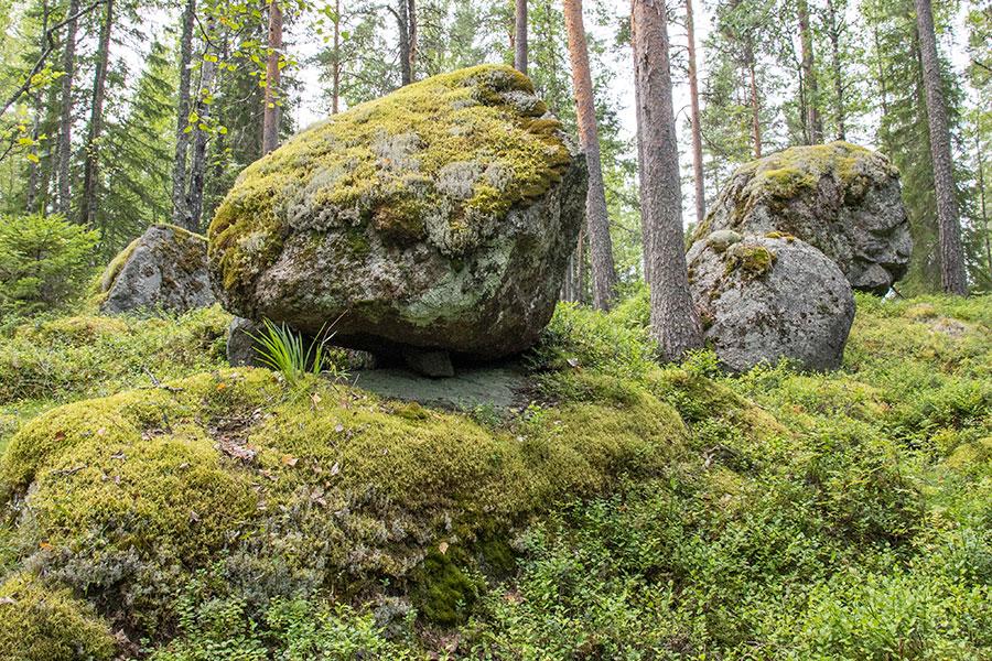 Kivi kalliolla