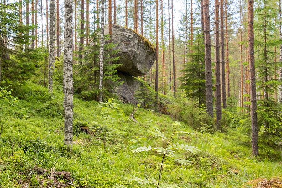 Kummakivi, Tihusniemi