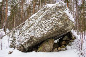 Lumikenkäilemässä ja bongailemassa luolia Leväniemellä, Jäppilä
