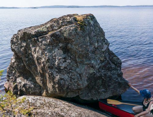 Hiisivuoren muinainen kalajumala Rokansaaren kesäparatiisissa, Puumala